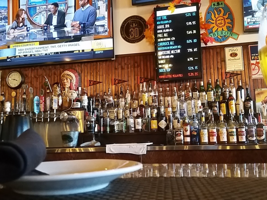 Hooked Up Ale House & Raw Bar