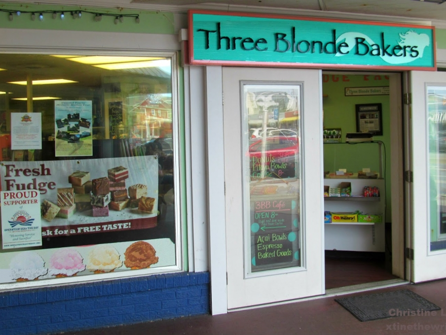 Three Blonde Bakers
