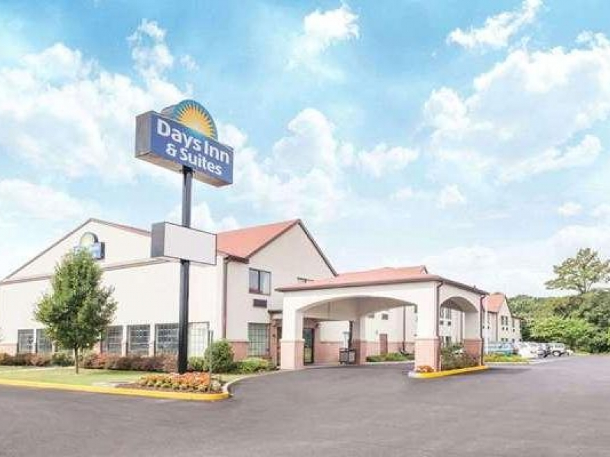 Days Inn & Suites by Wyndham Seaford