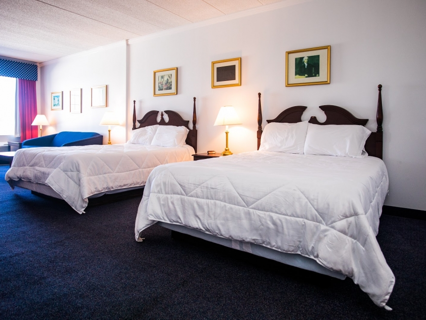 The 	Heritage Inn & Suites Rehoboth Beach
