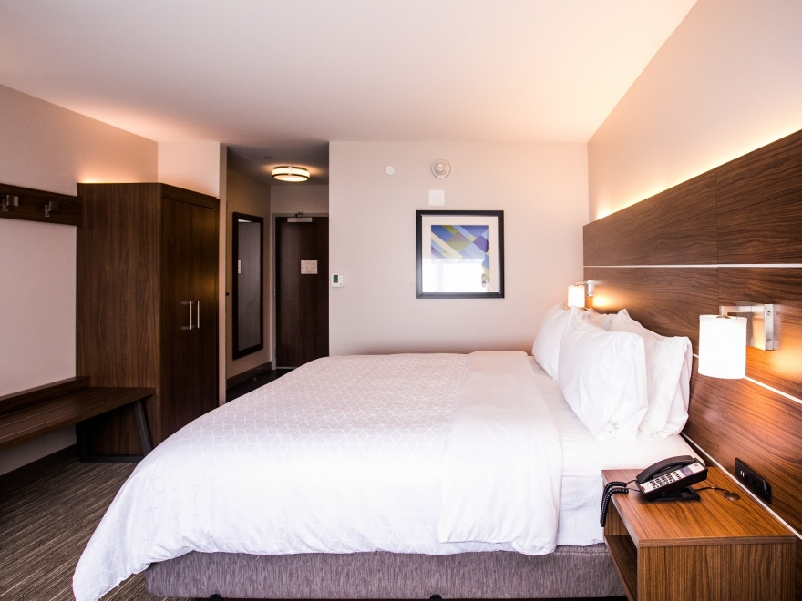 Holiday Inn Express & Suites Rehoboth Beach