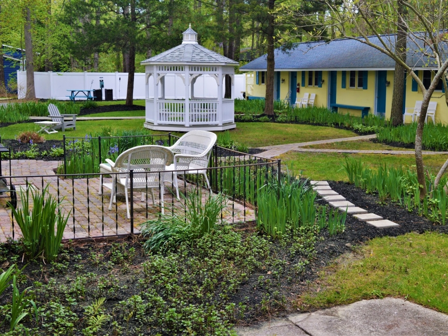 Meris Gardens Bed & Breakfast