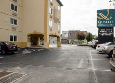 Days Inn & Suites by Wyndham Rehoboth Beach / Dewey